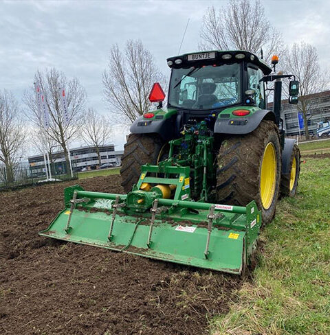 Tractor Incl. Frees